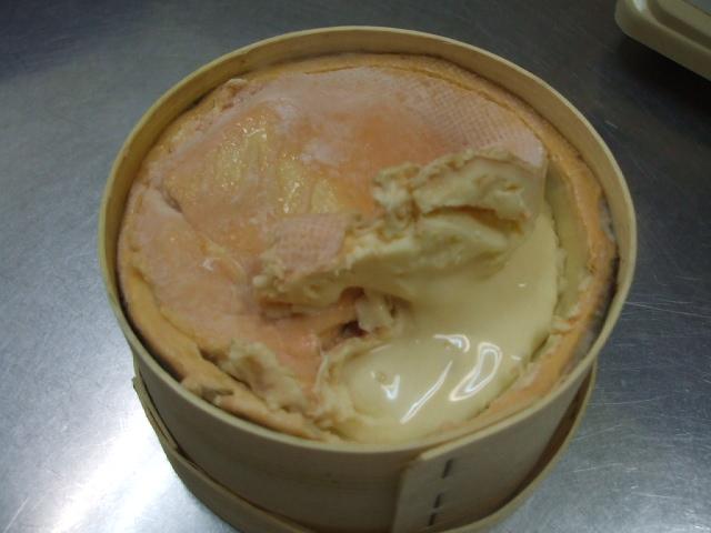 モンドールのチーズケーキ
